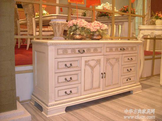 两大欧式家具流派的起源和特色