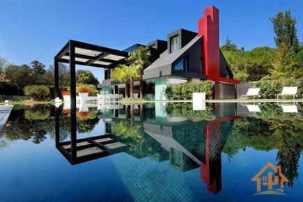 花园般的西班牙豪华现代别墅